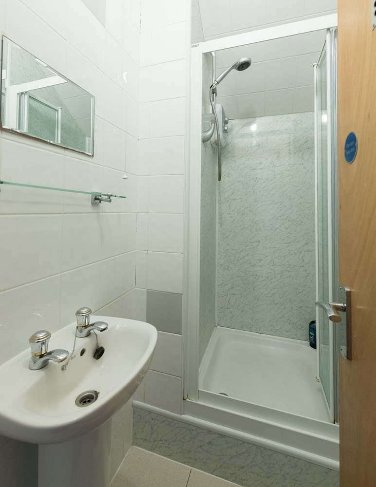 Ormskirk Student Accommodation, Burscough Street property - bathroom with shower