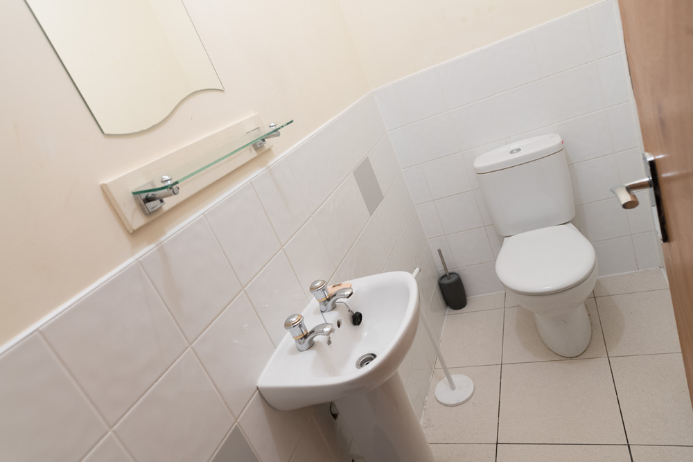 Ormskirk Student Accommodation, Burscough Street property – toilet