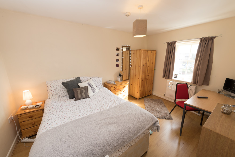 Ormskirk Student Accommodation, Burscough Street property - modern furnished bedroom