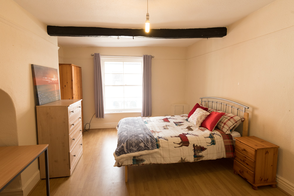 Ormskirk Town Centre, Church Street property - bedroom