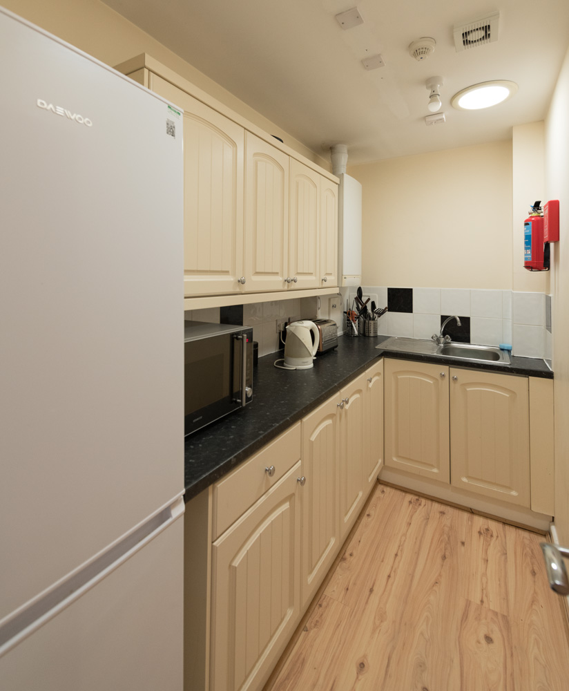 Burscough Street Property, Ormskirk - Student House - fully furnished kitchen